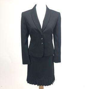 Tahari career pinstriped suit blazer pleated skirt